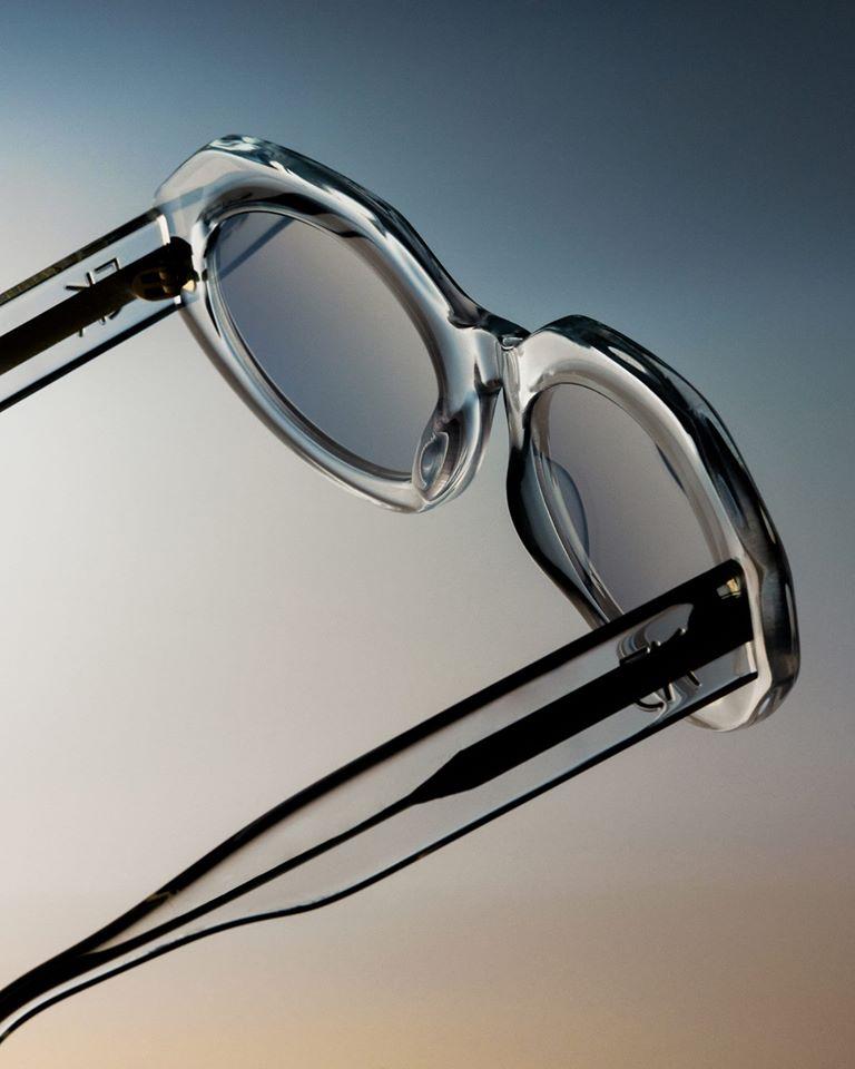 lunettes de soleil Emmanuelle khanh à Paris